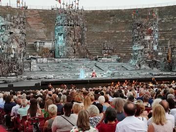 <h5>Live Verdi and his operas</h5>